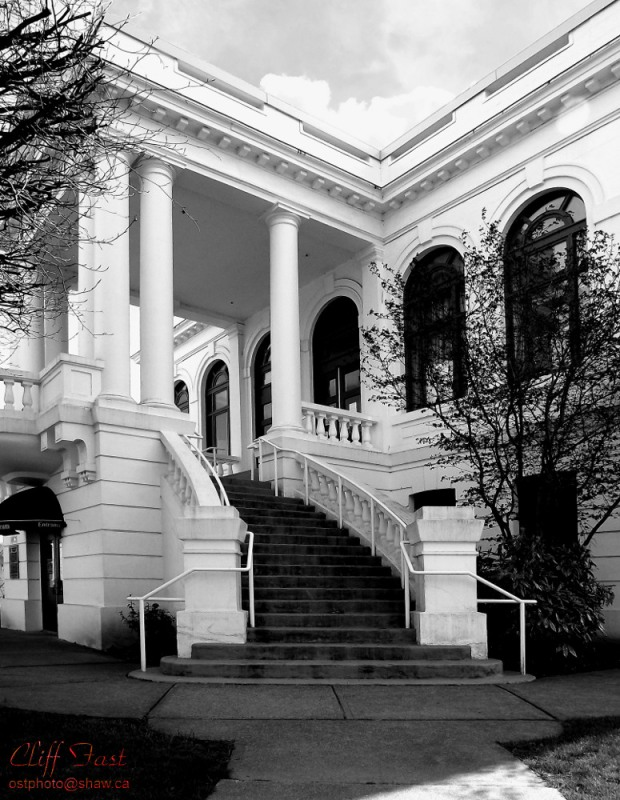 The front steps of the Chilliwack City Hall 1911